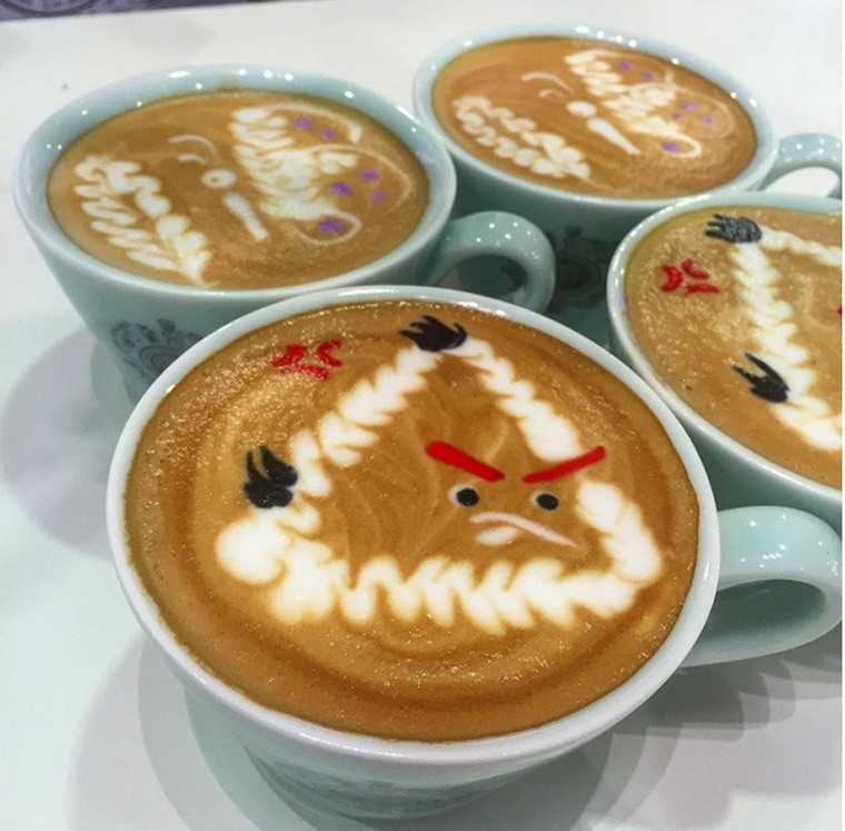 Cool coffee art to wake up to on a Monday morning