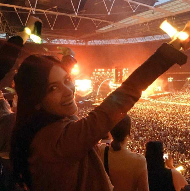 When B-town celebs took over the Coldplay concert