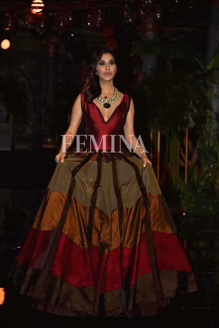 Sophie Chaudhry @ Manish Malhotra:  Sophie attended Manish Malhotra's opening show at ICW 2016 sporting a gown by the designer.