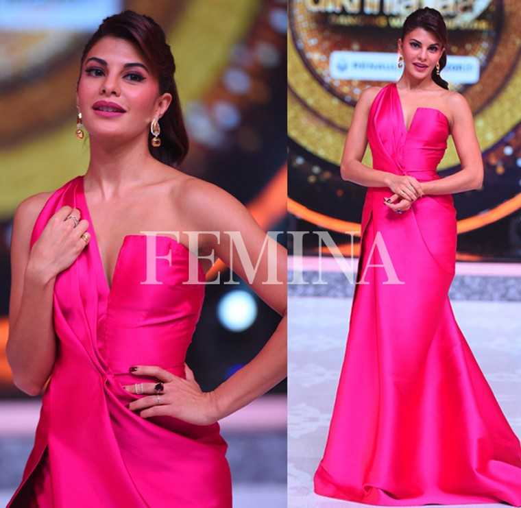 Jacqueline Fernandez in Monisha Jaising  Jackie did a throwback to her beauty queen days in a glorious hot pink gown.