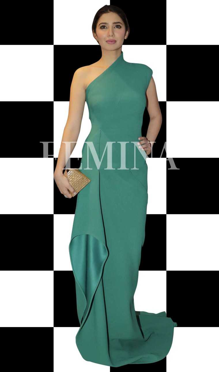 MAHIRA KHAN: Mahira proves that one-shoulder trend has definitely replaced the off- shoulder.  She kept her look sleek and minimal in a Monisha Jaising gown with a pyramid Judith Leiber minaudiere and ring by Renu Oberoi Fine jewellery.