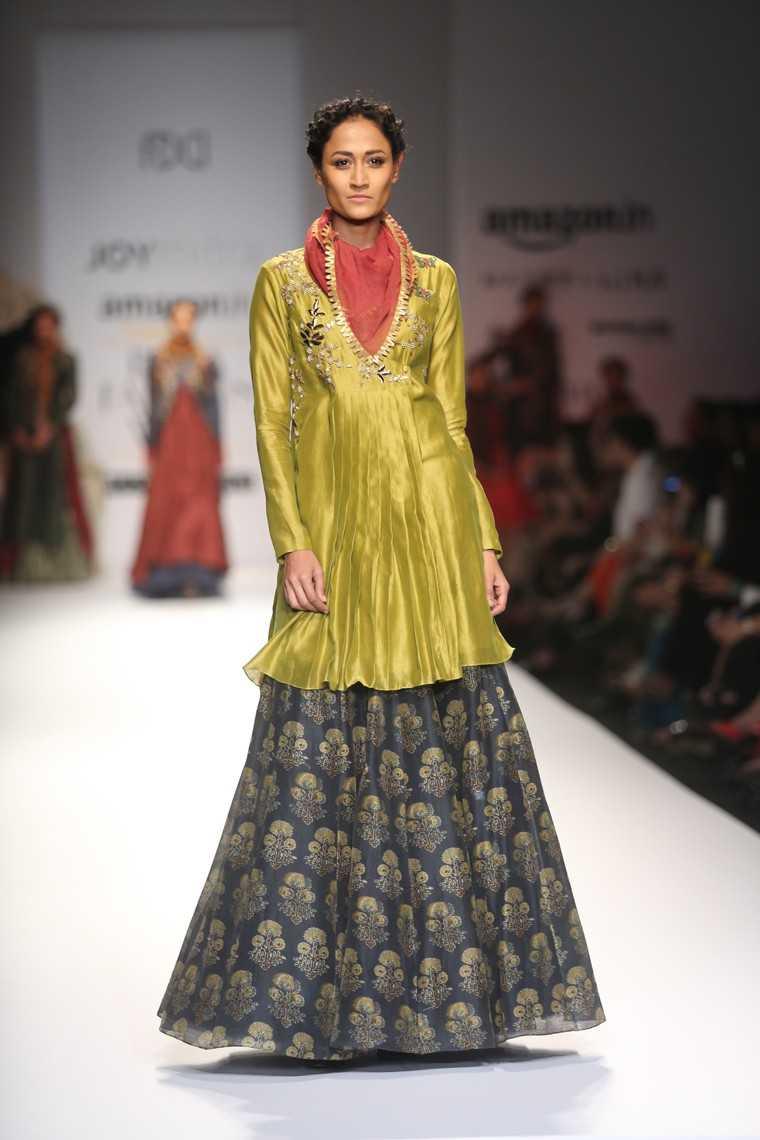 Long kurta-tops over skirt