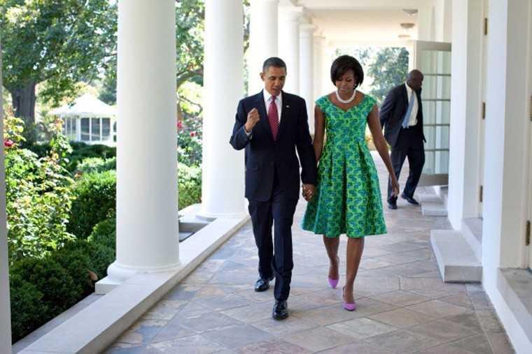 Michelle Obama Barack Obama White House green dress Barbara Tfank 2010