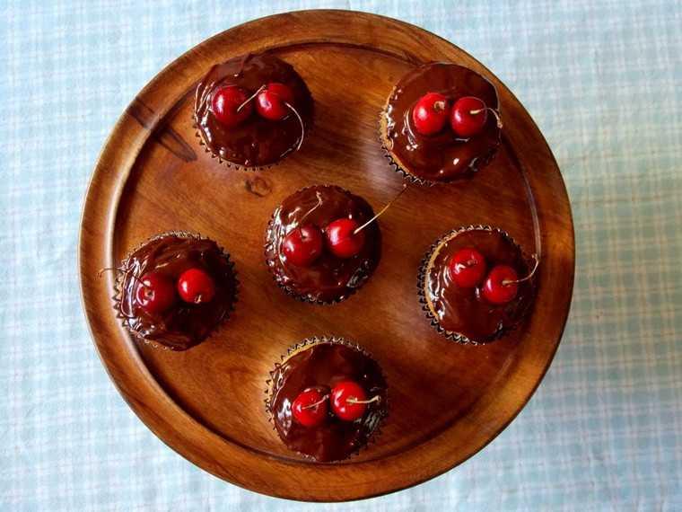 Cookie dough cupcakes for chocolate dessert recipes