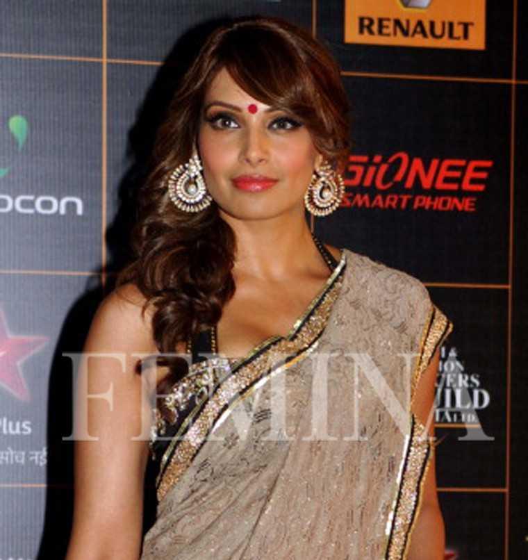 Flaunt Your Fringe Like Bollywood Beauties Femina