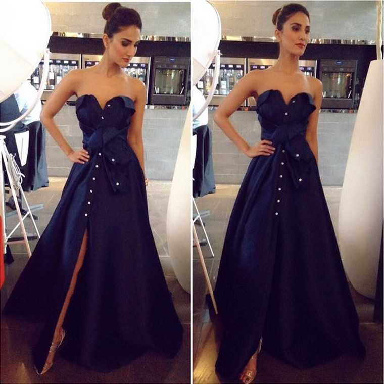 Vaani Kapoor took Paris in a glamorous midnight blue Alexis Mabille gown. The only accessory she needed was a Bulgari Serpenti bracelet.
