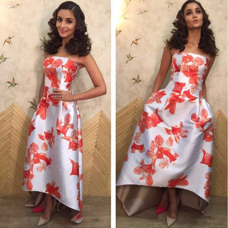 At an award ceremony, Alia opted for mismatched Manolo Blahnik heels to add an element of fun to a very ladylike look.