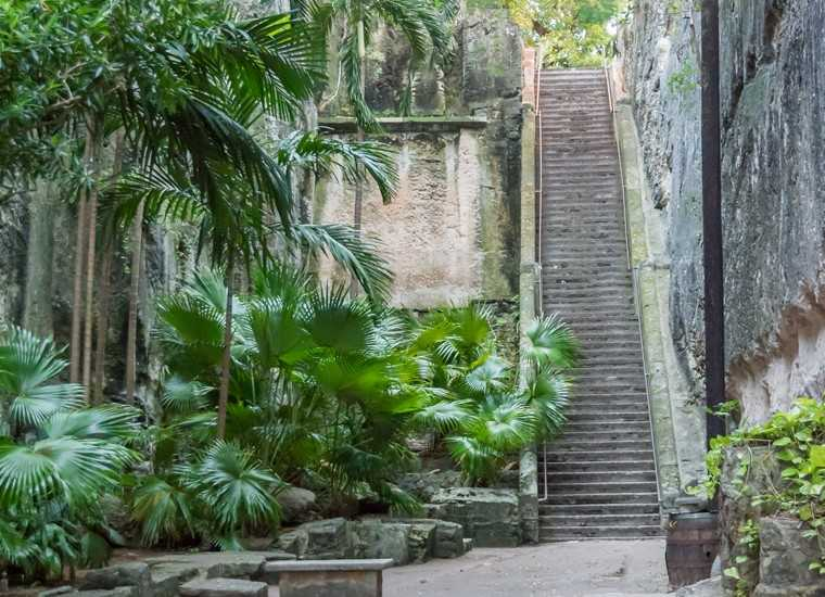 Conquer the Queen's Staircase