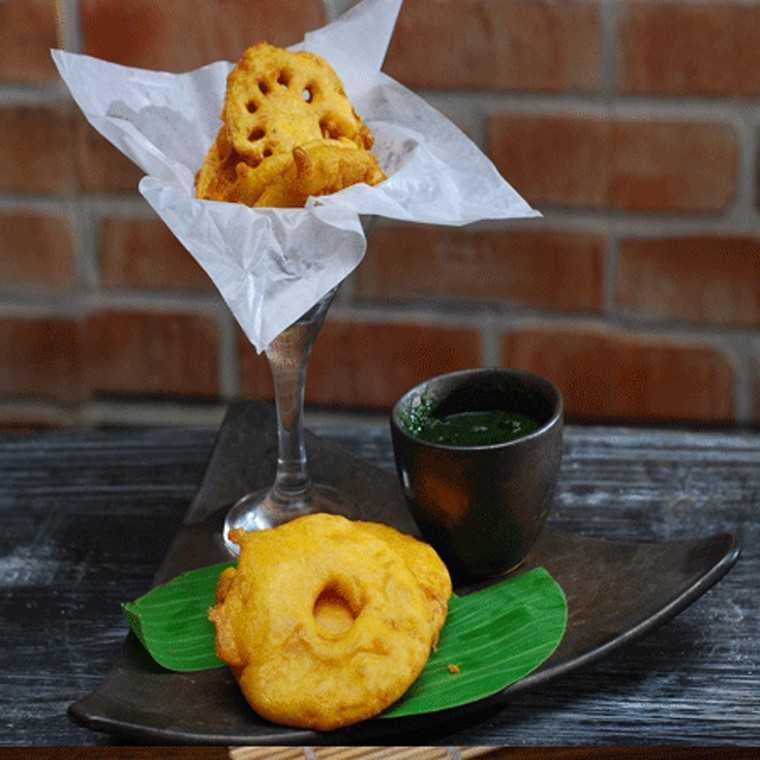 Ananas and nadru bhajiyas
