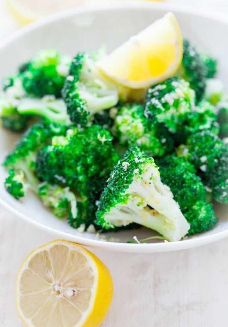 Garlic-lemon broccoli salad