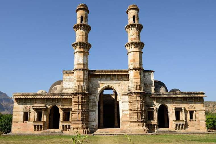 5)Champaner-Pavagadh Archaeological Park