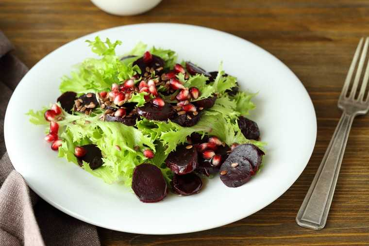 Pomegranate and beetroot salad