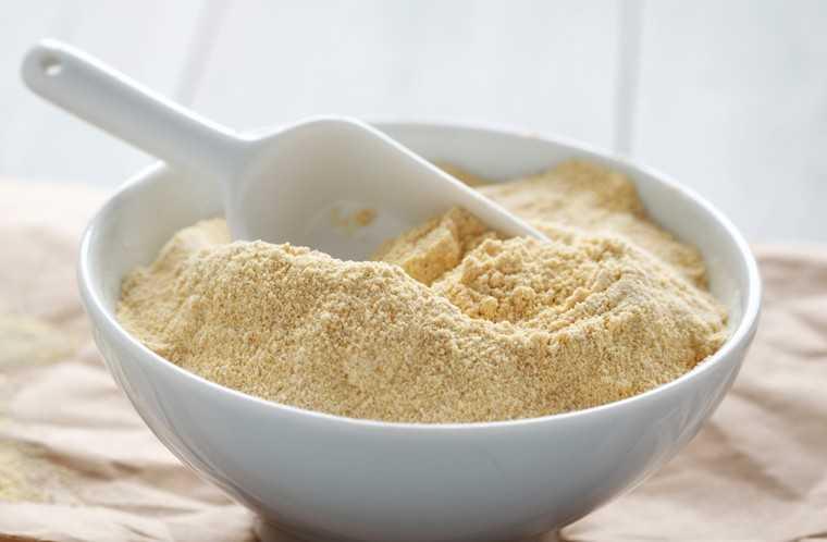 Chickpea flour mask