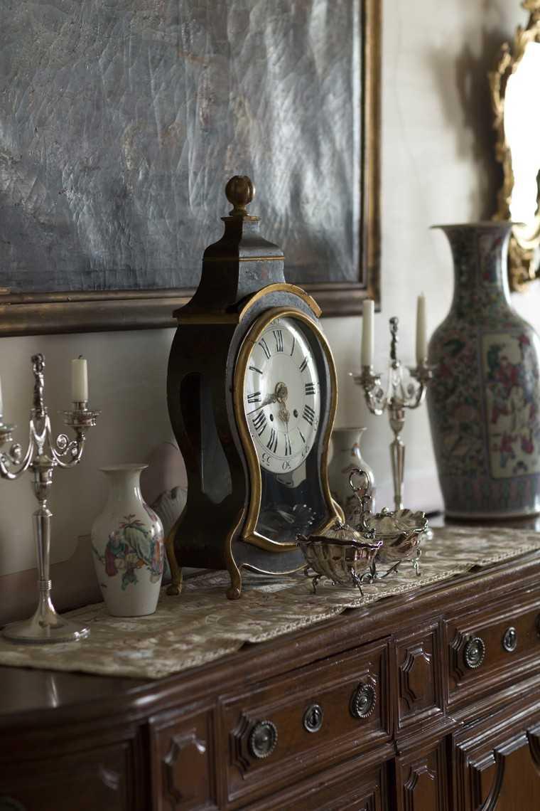 Antique elements