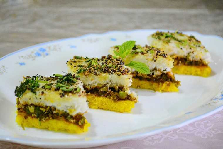 Gujarati-Sandwich-Dhokla-Recipe-Photo.