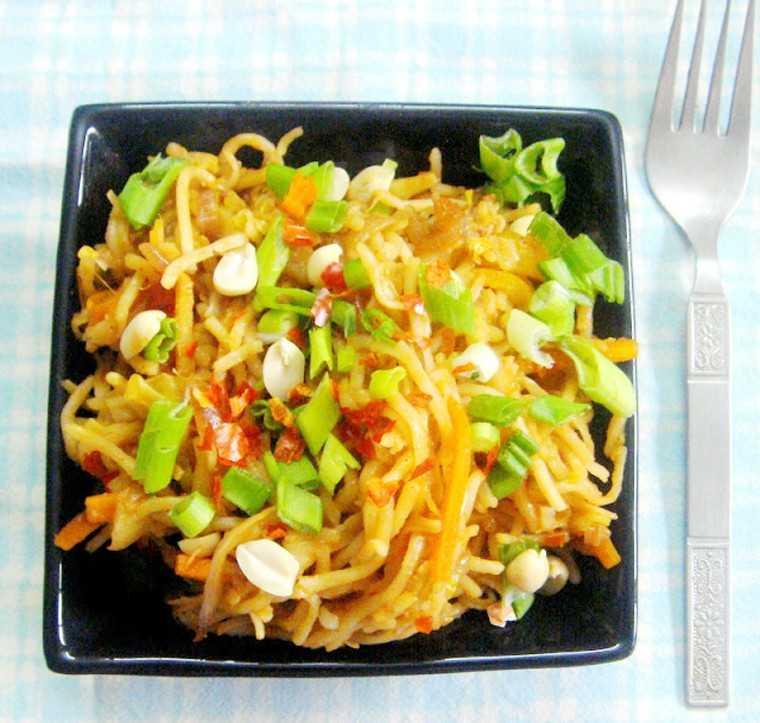 chin chin chinese noodle salad