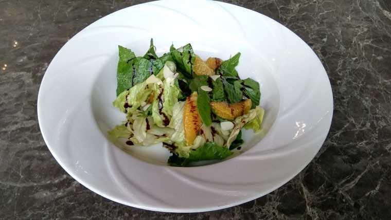 Baby spinach & lettuce salad with orange balsamic vinaigrette