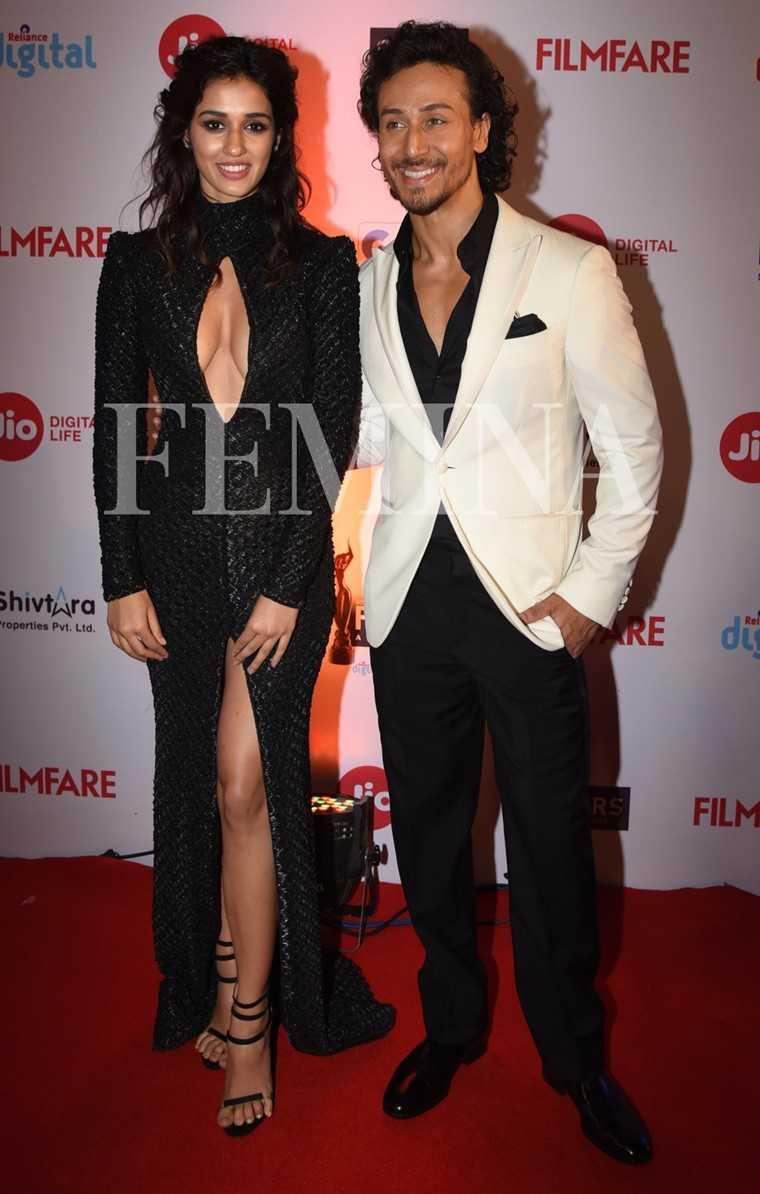 Disha-Patani-Tiger Shroff-Jio-Filmfare-Awards-2017