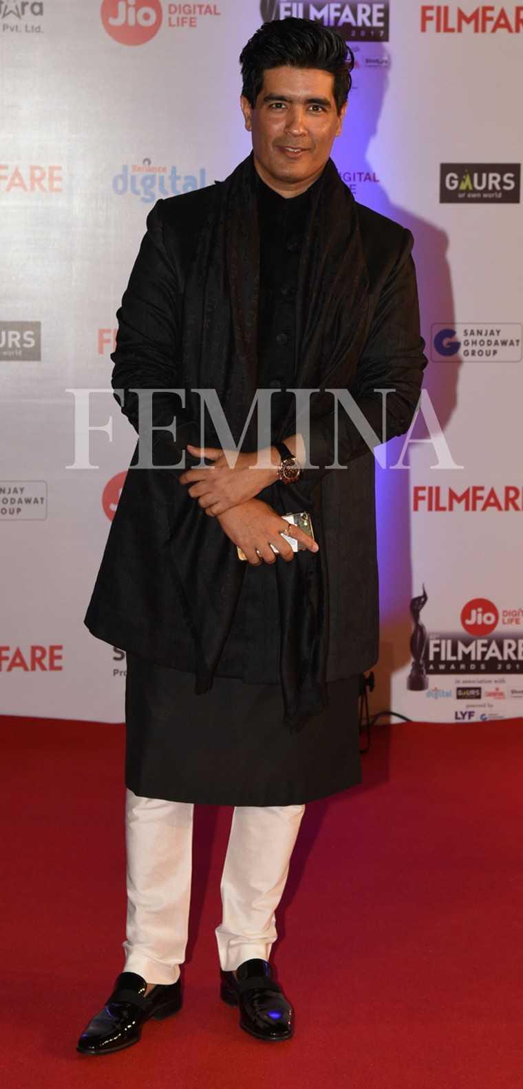 Manish Malhorta-Jio-Filmfare-Awards-2017