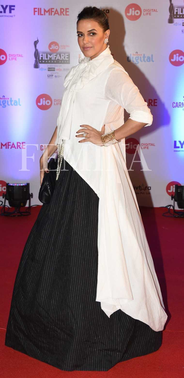 Neha-Dhupia-Jio-Filmfare-Awards-2017