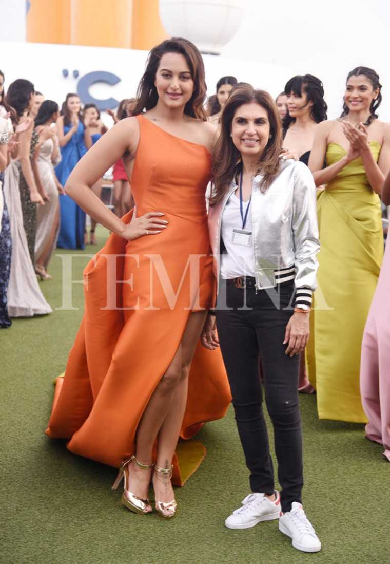 Sonakshi-Sinha-Monisha-Jaising-Lakme-Fashion-Week