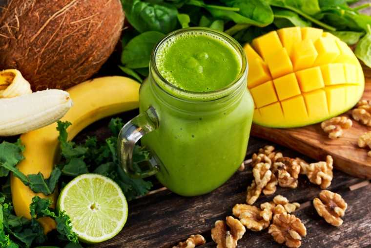 Kale coconut smoothie