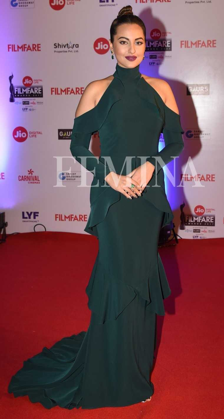 Sonakshi-Sinha-Jio-Filmfare-Awards-2017
