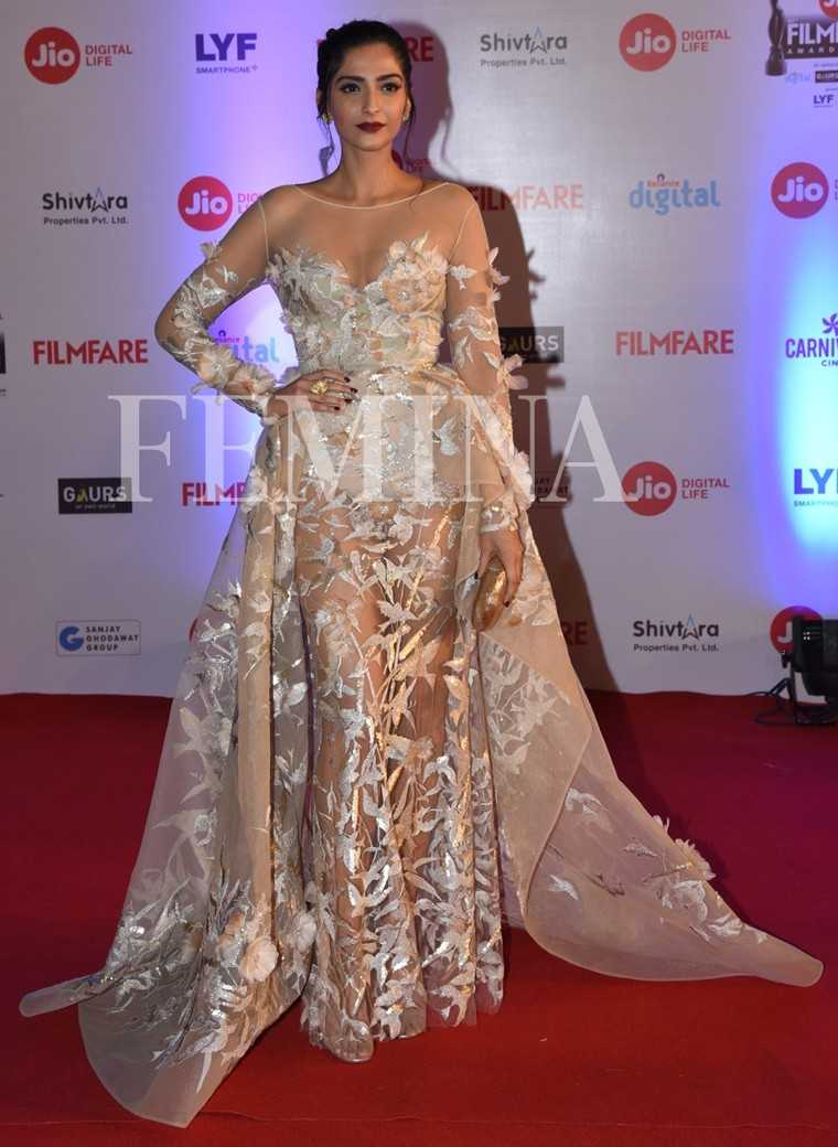 Best Celebrity Red Carpet Looks Femina In