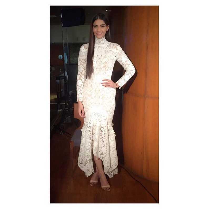 sonam-kapoor-white-dress