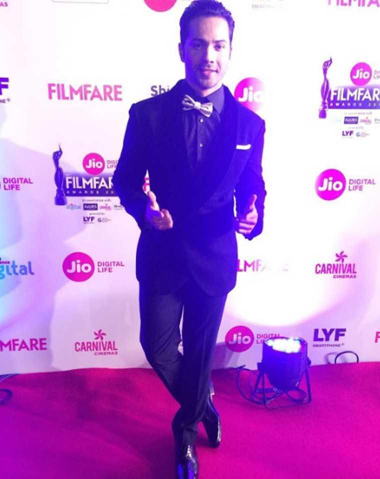 Varun-Dhawan-Jio-Filmfare-awards-2017