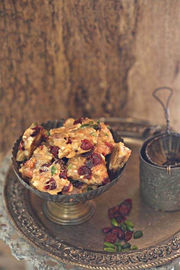 Cranberry nut brittle