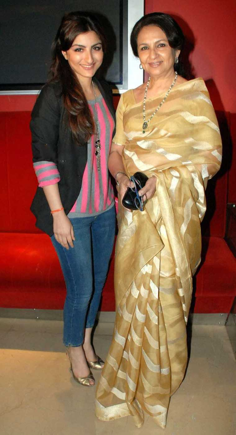 Soha Ali Khan and Sharmila Tagore