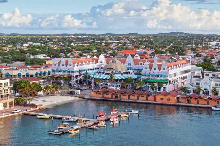 Explore Oranjestad