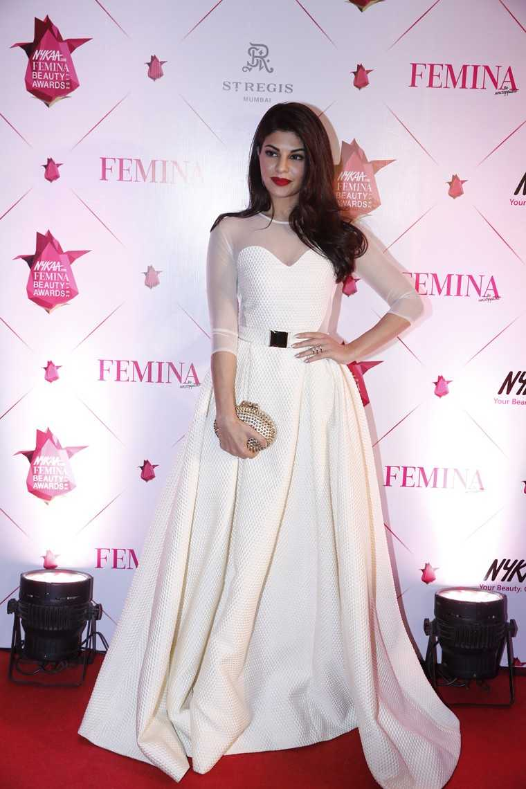 Jacqueline Fernandes in all-white-everything