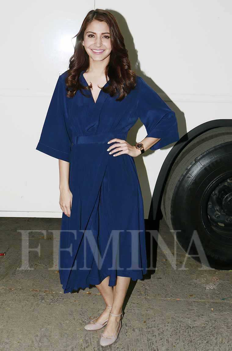 anushka-sharma lovebirds-dress