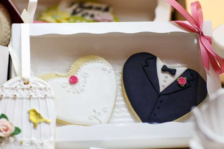 Wedding cookies and macaroons