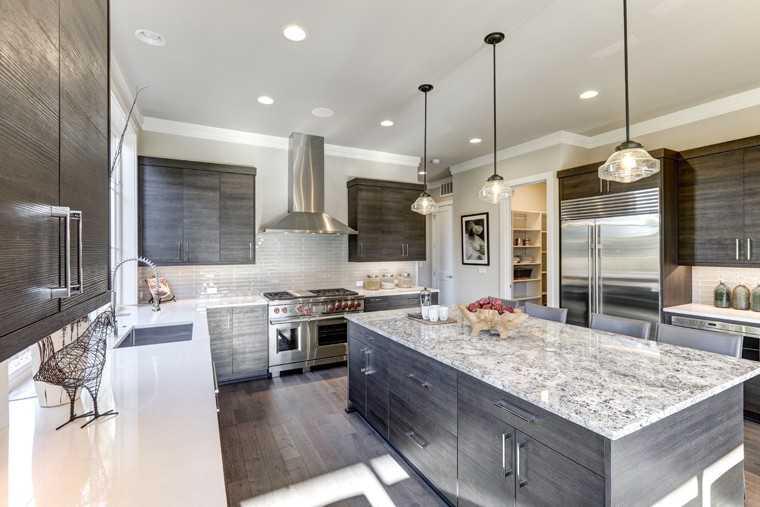 Grey-te kitchen