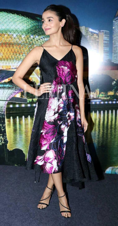 Alia-Bhatt-badrinath-ki-dulhaniya-promotion-prabal-gurung-dress
