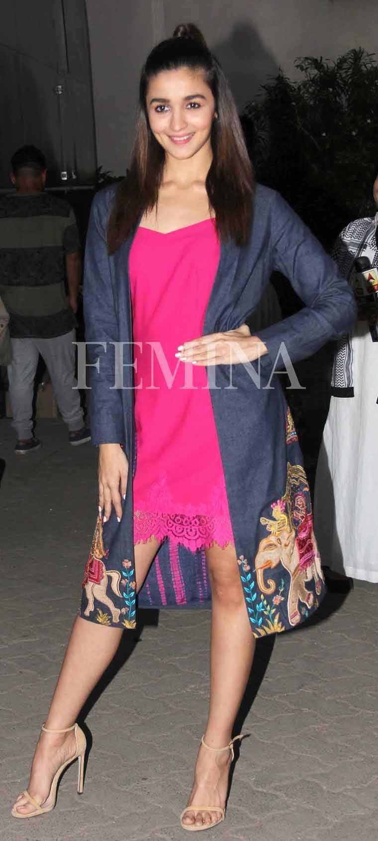 Alia-Bhatt-Mehboob-studio-badrinath-promotion-mayrru-girotra-jacket