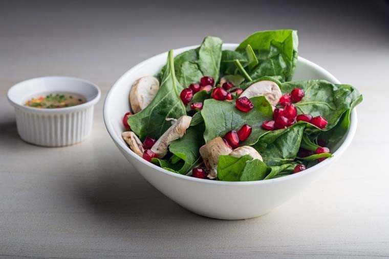 Fresh spinach and mushroom salad