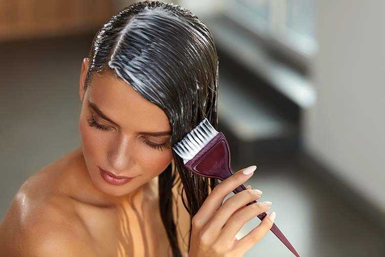 Show your hair some TLC with these natural, easy and effective hair masks recipes.