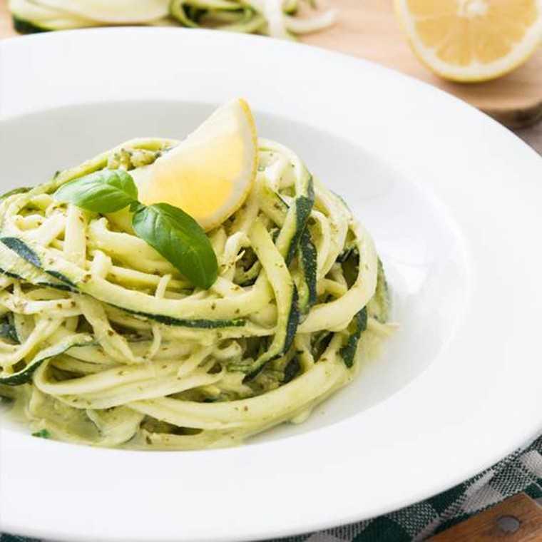 Zucchini and cashew pasta