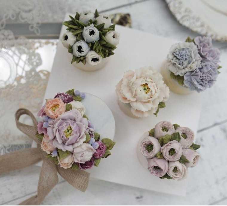 @riz_flower_cake