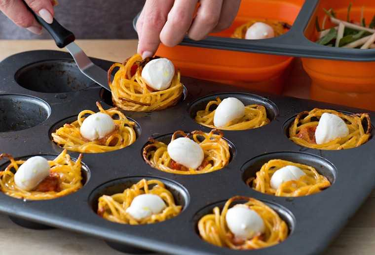 Spaghetti and cheese nests