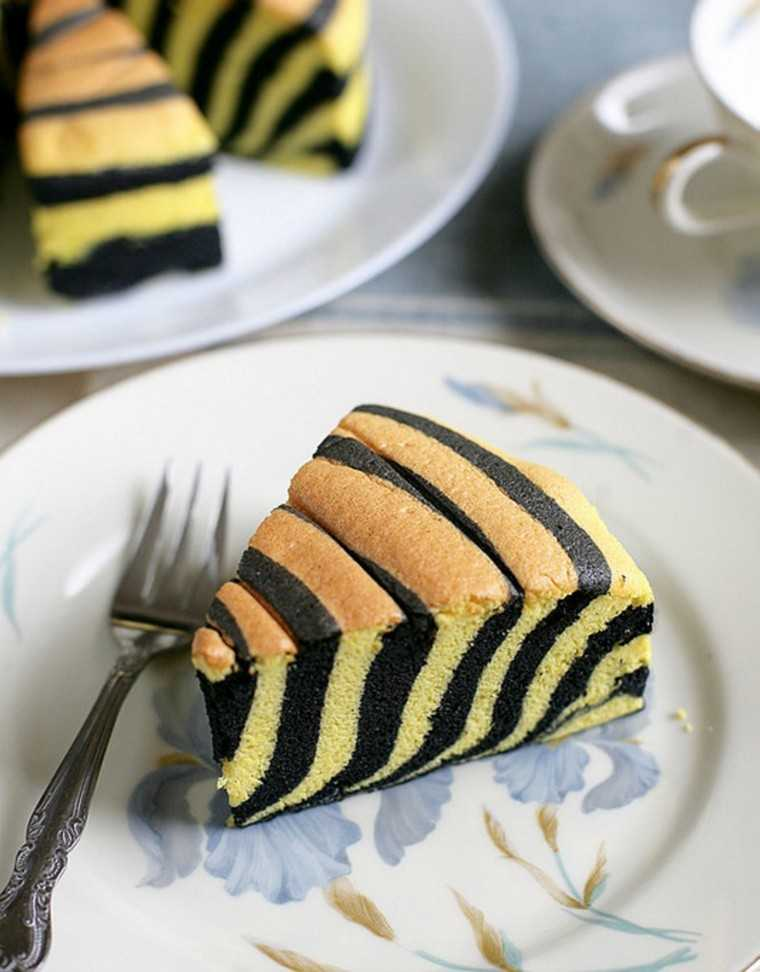 zebra ogura cake