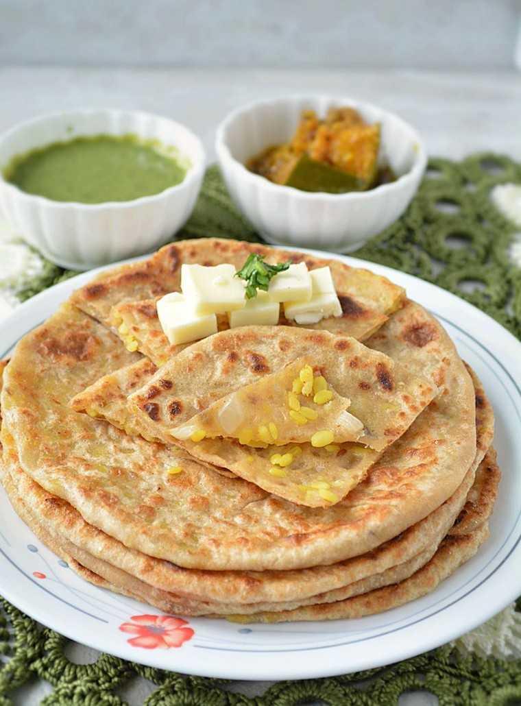 Pithi/lentil stuffed paratha