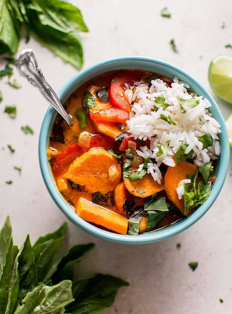 Thai sweet potato coconut red curry with rice
