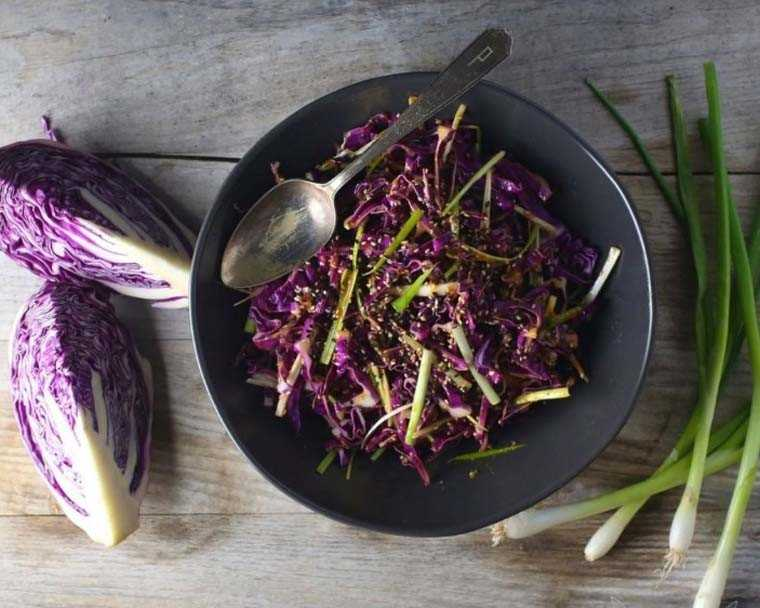 Red cabbage salad with spicy miso-ginger
