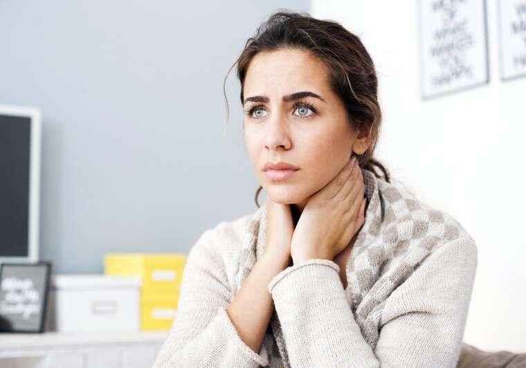 woman sore throat