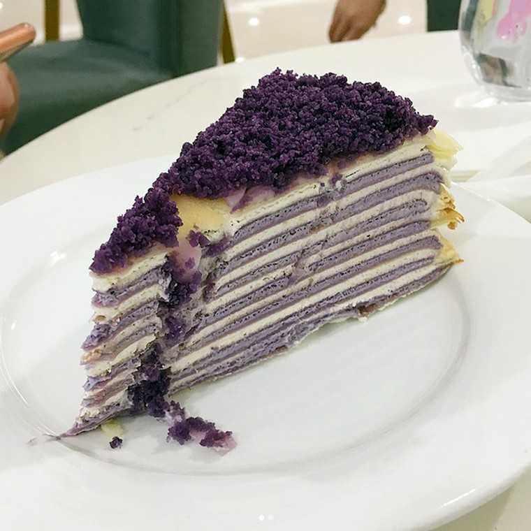 Ube crepe cake by @papermooncafeph